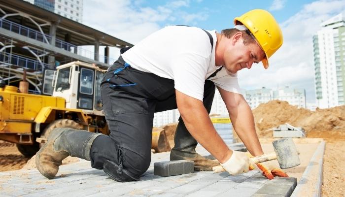 delegowanie do pracy w usługach budowlanych